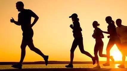 武汉一高校推行跑步APP:学生跑步里程将关联
