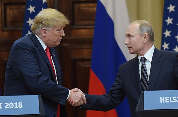 当地时间7月16日,美国总统特朗普与俄罗斯总统普京在芬兰赫尔辛基举行会晤。视觉中国 图