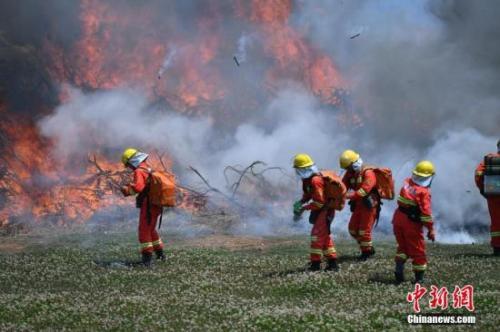 资料图:消防员。记者 刘冉阳 摄
