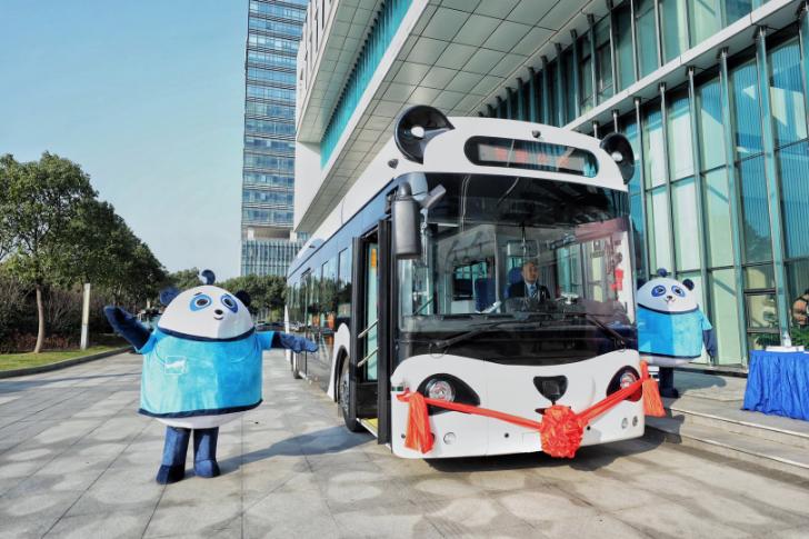 智能公交亮点多 全省首辆人工智能公交车常州科教城开跑