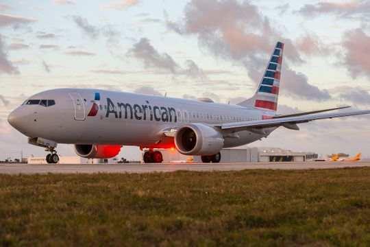 一架美国航空公司的波音737MAX客机(图源:《今日美国》)