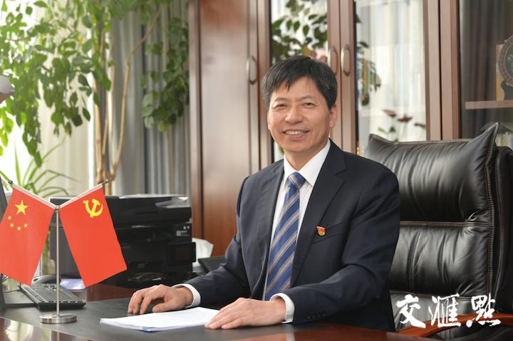 幸运农场党委书记陈利根  摄影 万程鹏