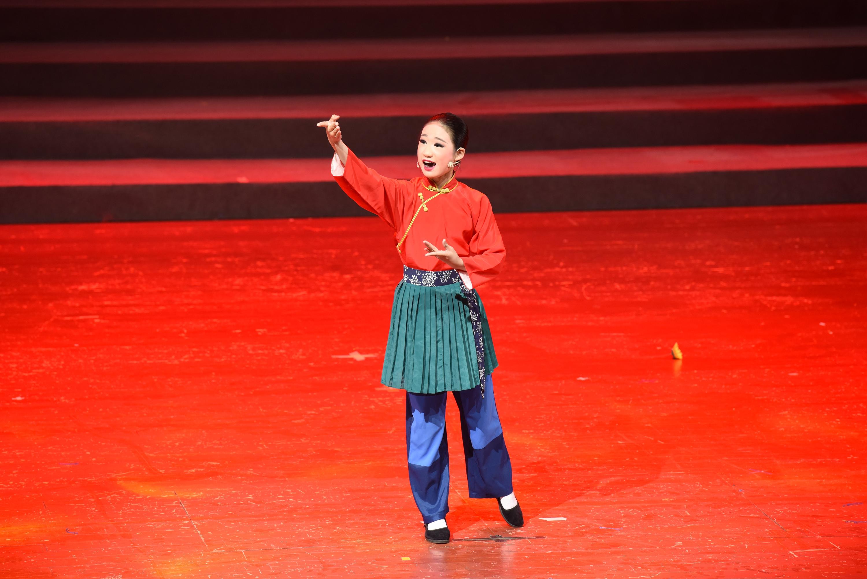 江阴云亭实验小学小锡班学员周润琪演绎《红色的种子》