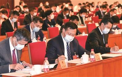 22日下午,十三届全国人大三次会议江苏代表团举行全体会议审议政府工作报告。  新华报业全媒体记者  肖勇 摄