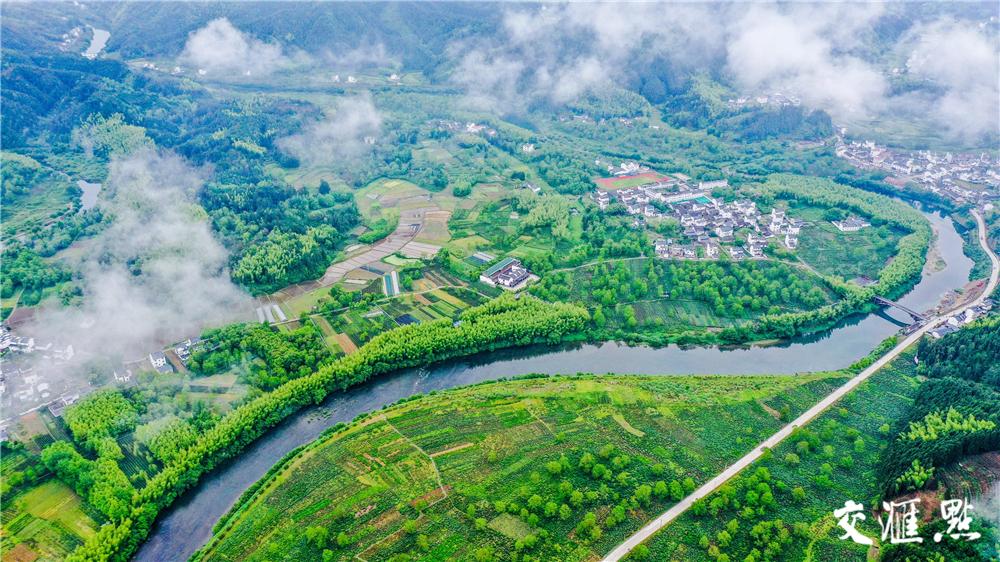 安徽省祁门县李源村雨后景色。陈晨 摄