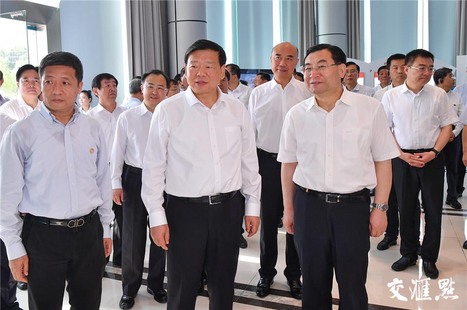 19日,陕西省党政代表团考察光大环保能源(常州)有限公司。
