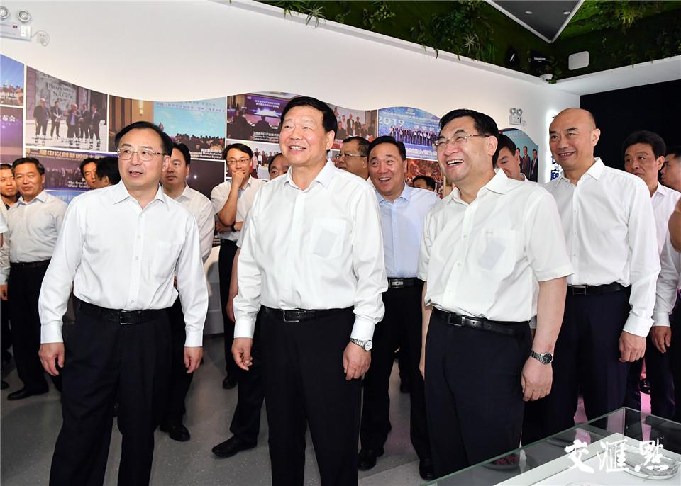19日,陕西省党政代表团考察中国以色列常州创新园。