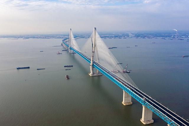 沪苏通大桥(视觉中国)