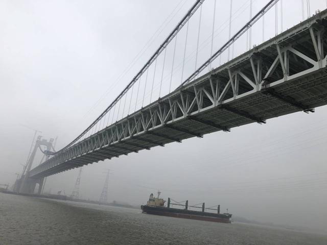 建设中的五峰山长江大桥(图源:新华报业网)