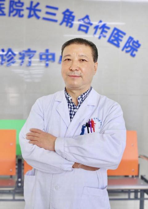 苏州市相城人民医院普外科主任医师黄铁熬