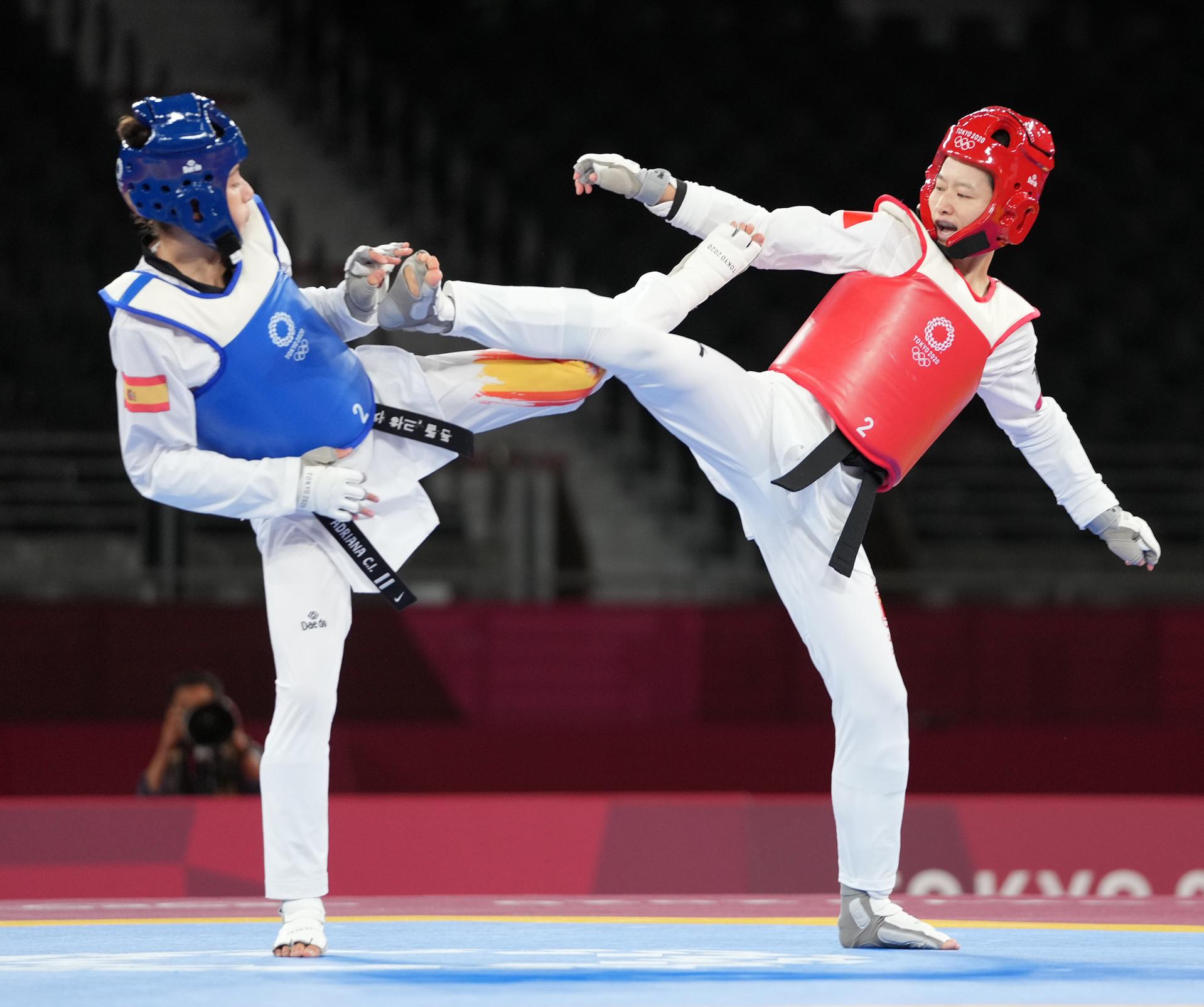 吴静钰在跆拳道女子49公斤级1/4决赛中